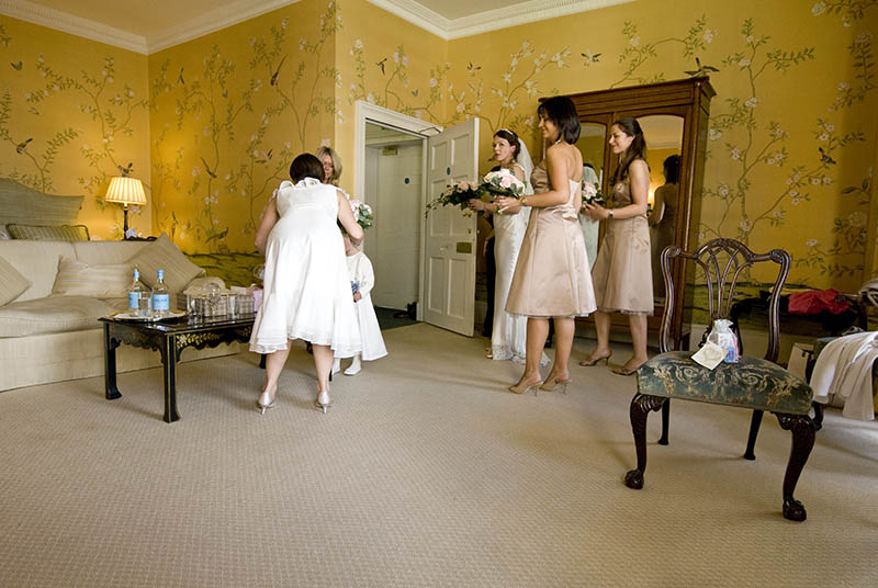 bride and bridesmaids in chinese room chandos house