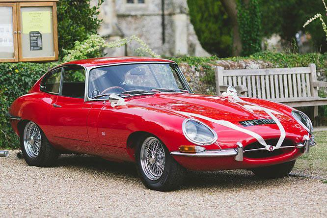 red vintage jaguar e type 1970