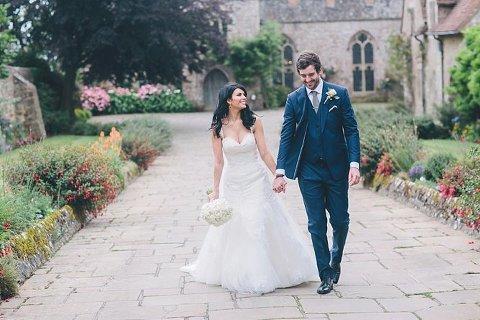 choosing right wedding photographer