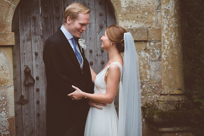 sudeley castle wedding couple portraits