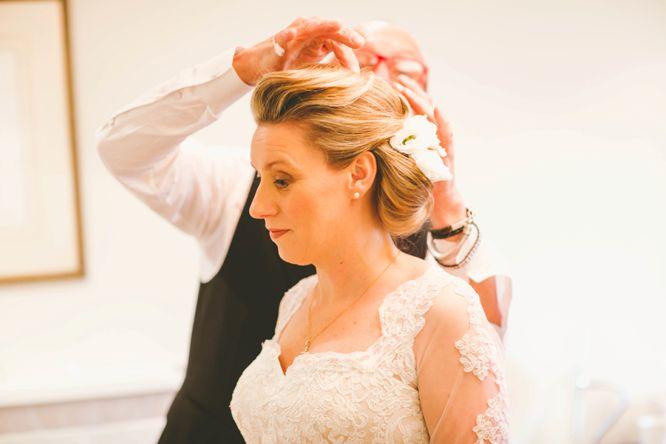 monique lhuillier wedding dress lace