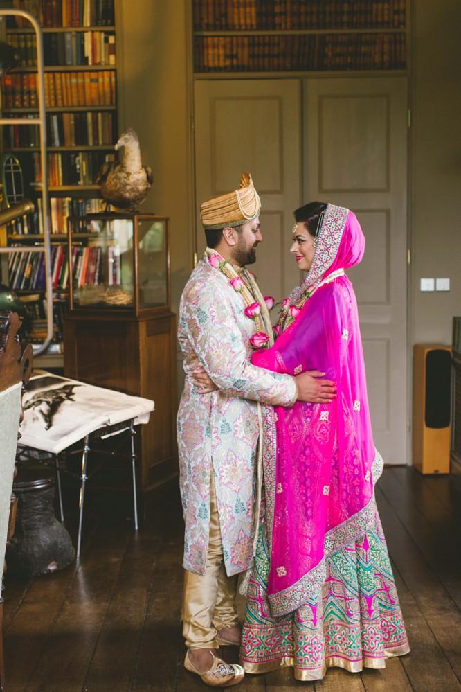 indian couple weddings poses